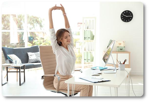 5 esercizi con la sedia da fare a casa